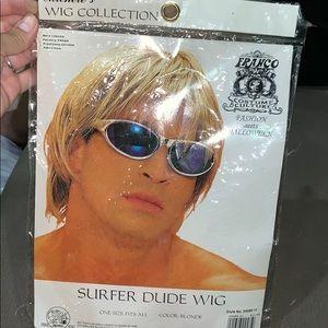 Surfer blonde wig